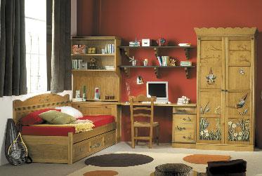 Muebles pintados a mano de lora for Muebles de mimbre pintados