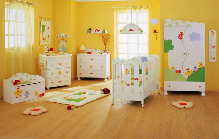 Желтая детская комната фото