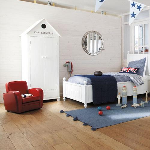 Habitacion infantil de maisons du monde for Mesillas de habitacion