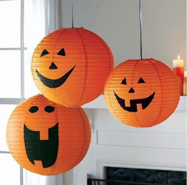 Calabaza Halloween con lámpara de papel