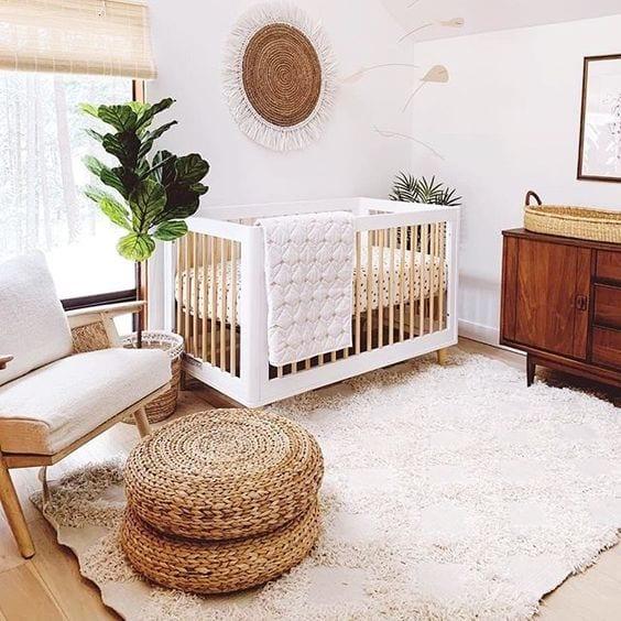 Habitaciones bebes en blanco y madera