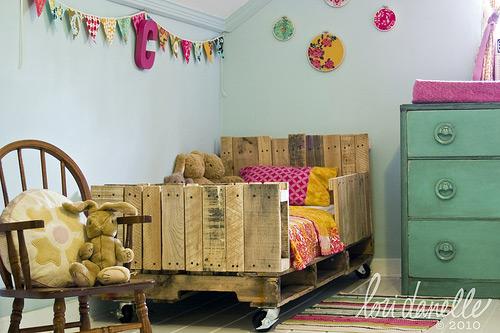 Una cama infantil fabricada con palets - Habitacion con tocador ...