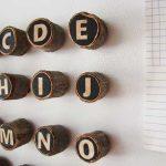 Manualidades infantiles: abecedario de madera