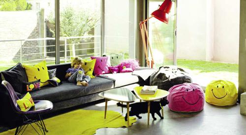 Sala De Tv Decorada Con Puffs ~ esta edición especial de la empresa maison de vacances tanto el