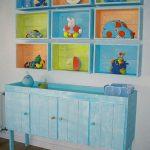 Reciclar cajas de madera en la habitación del bebé