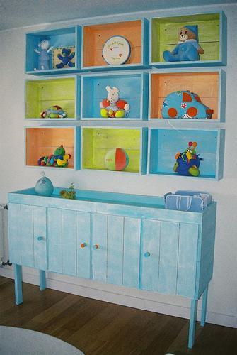 Reciclar cajas de madera en la habitacin del beb