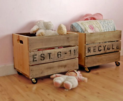 M s cajas de madera recicladas en la habitaci n infantil for Cajas decorativas para almacenar