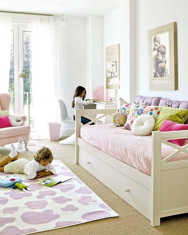 Baño integrado en dormitorio infantil