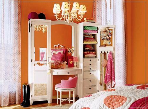 Habitaci n de ni a con tocador decoraci n infantil for Espejos habitacion juvenil