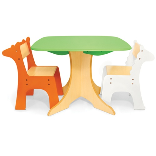 Conjunto mesa y sillas infantiles decoideas net for Medidas sillas ninos