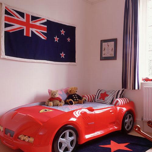 Otro dormitorio infantil con cama coche decoideas net - Cama coche infantil ...