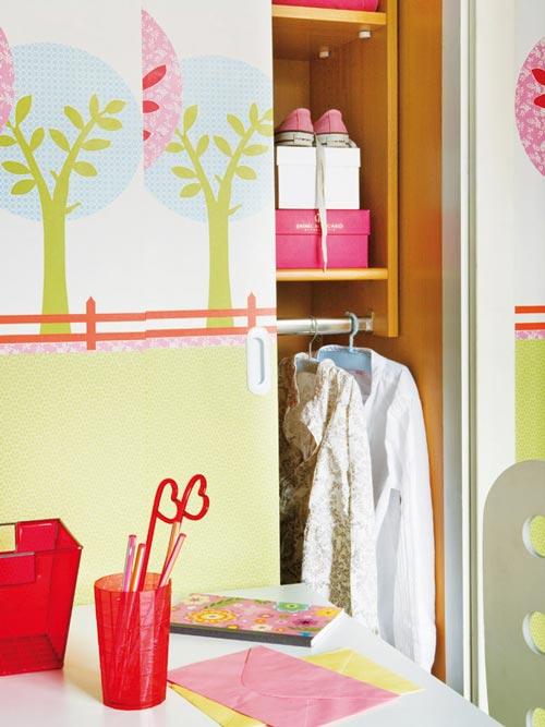 Como decorar el armario infantil decoideas net for Cortinas para armarios empotrados