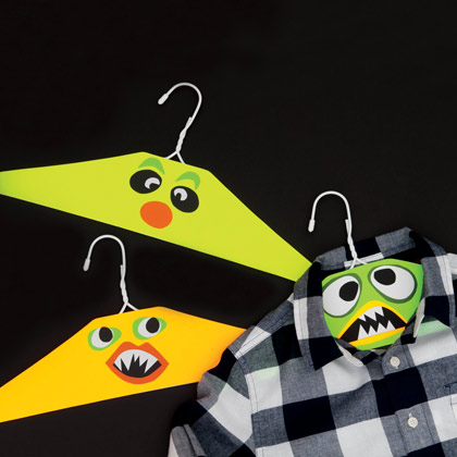 Manualidades halloween perchas monster - Manualidades con perchas ...