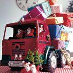 Calendario de Adviento en un camión de juguete
