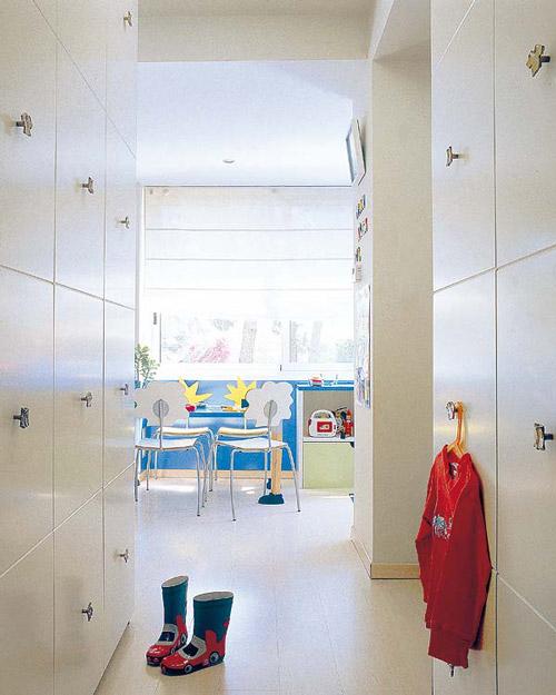 Dormitorios para tres hermanos decoideas net - Habitacion para tres ninos ...