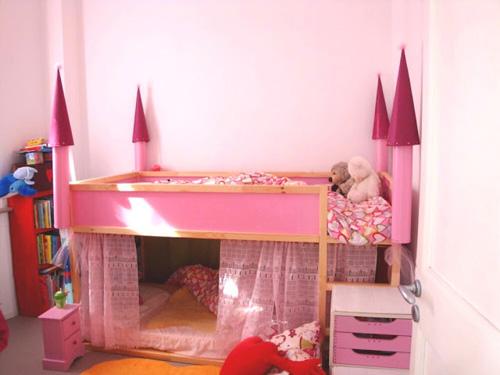 customizar la cama kura de ikea. Black Bedroom Furniture Sets. Home Design Ideas