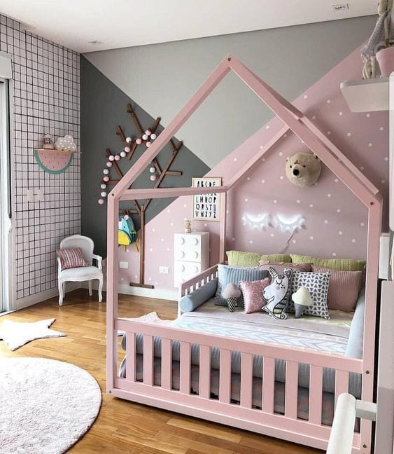 Cama infantil con forma de casita