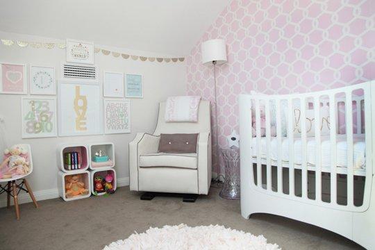 Dormitorio para ni a en rosa y dorado - Decorar habitacion bebe nina ...