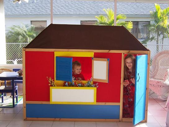 Ikea Hack: cama Kura convertida en casita para jugar