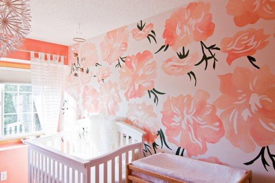 Un mural de flores gigantes pintado a mano - Habitaciones con murales pintados ...