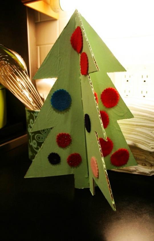 Manualidades Navidad: mini árboles de cartón