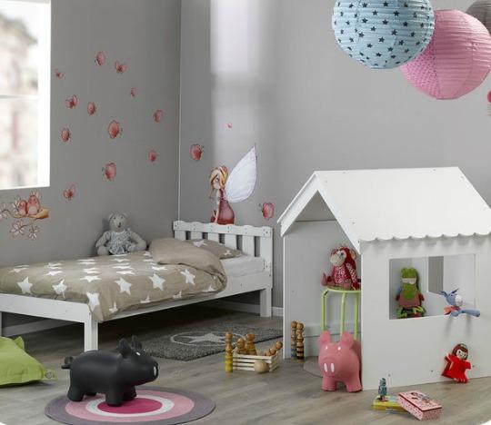 Bonita cama cabaña para niños