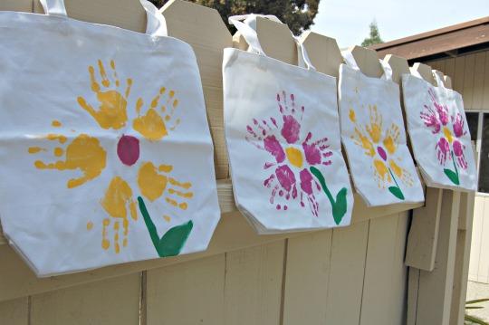 Manualidades para el dia de la madre for Trabajos manuales sencillos