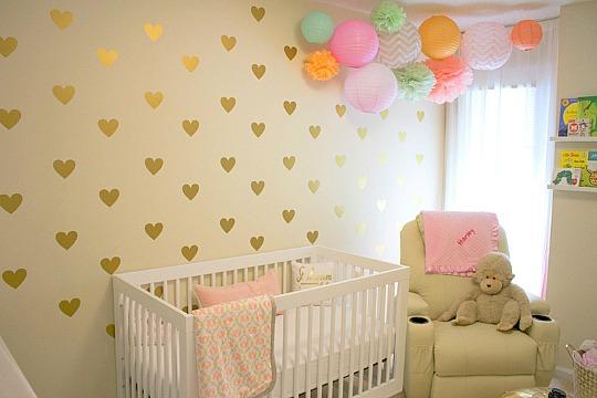 Decoraci n rom ntica y relajada para la habitaci n del beb for Decoracion de cuarto para nina recien nacida