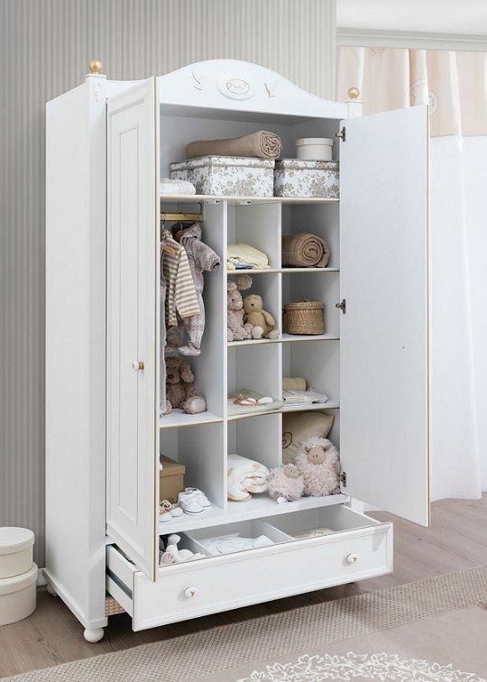 Colecci n softy para la habitaci n del beb decoideas net - Armario de la tv ...
