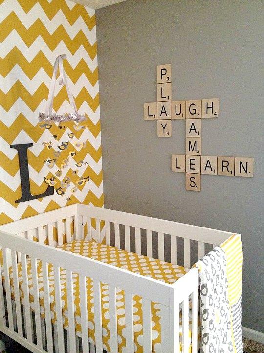 Decora las paredes infantiles con letras scrabble for Cuadros de pared grandes
