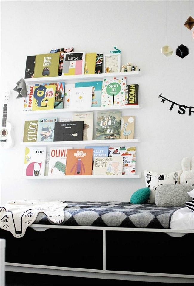 Estante Ribba de Ikea para las habitaciones infantiles