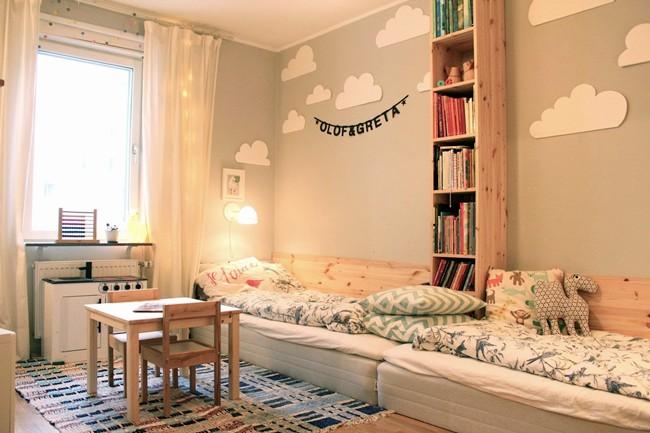 Habitaci n para dos decorada en tonos neutros decoideas for Habitacion infantil dos camas