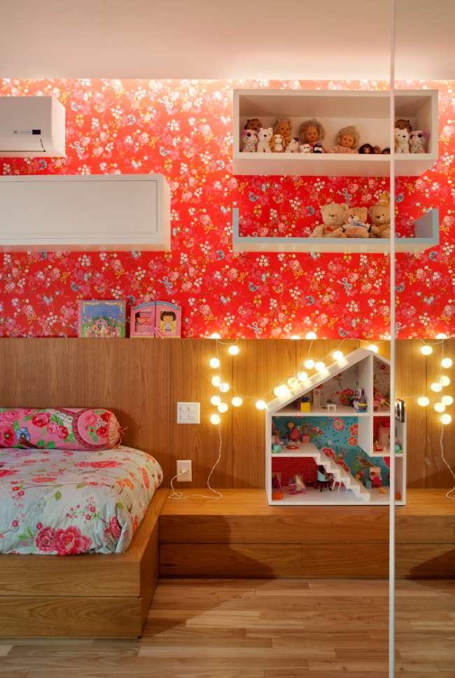 Habitación infantil moderna y romántica