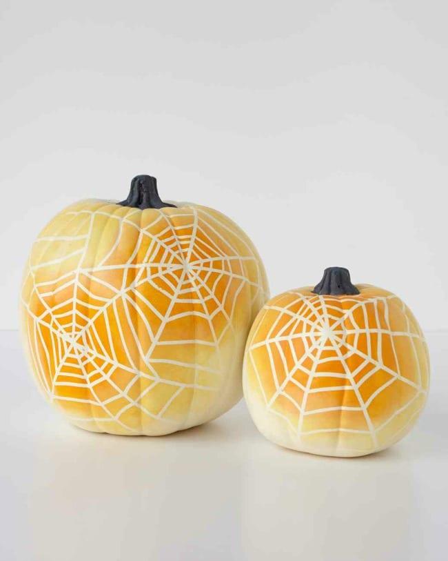 Decorar calabazas Halloween con niños