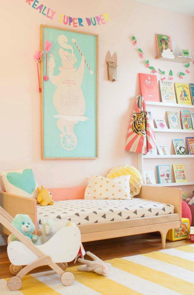 8 habitaciones para ni a en rosa y verde pastel for Dormitorios para 3 ninas