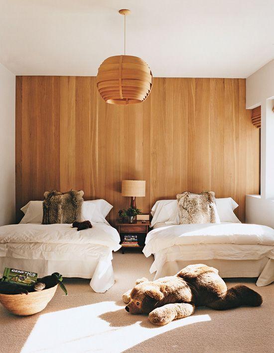 Dormitorios infantiles con paredes de madera for Paredes en madera