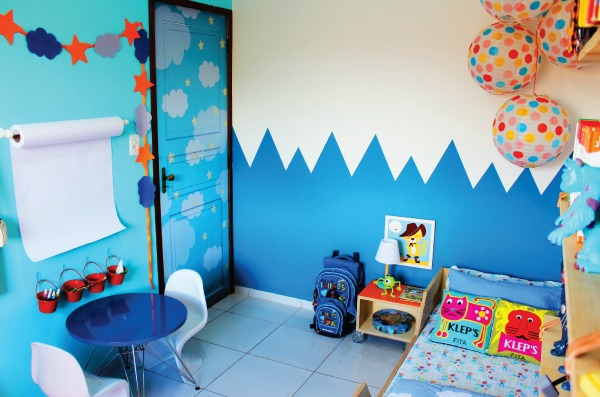 Dormitorio infantil con rinc n creativo decoideas net - Habitacion infantil barata ...