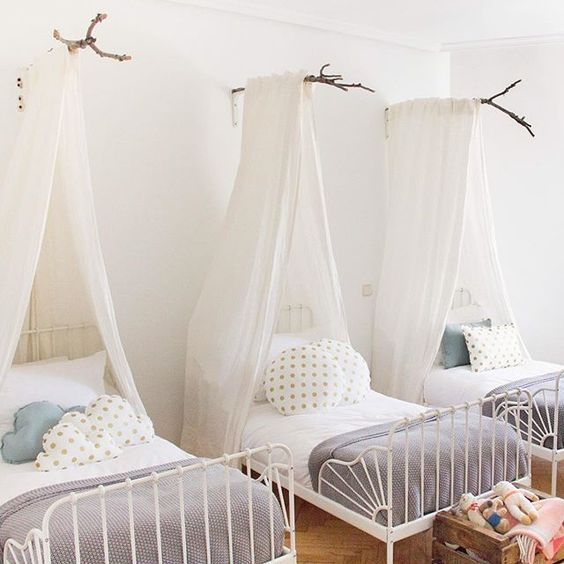 12 habitaciones infantiles con cama minnen decoideas net - Canopy bed in small room ...