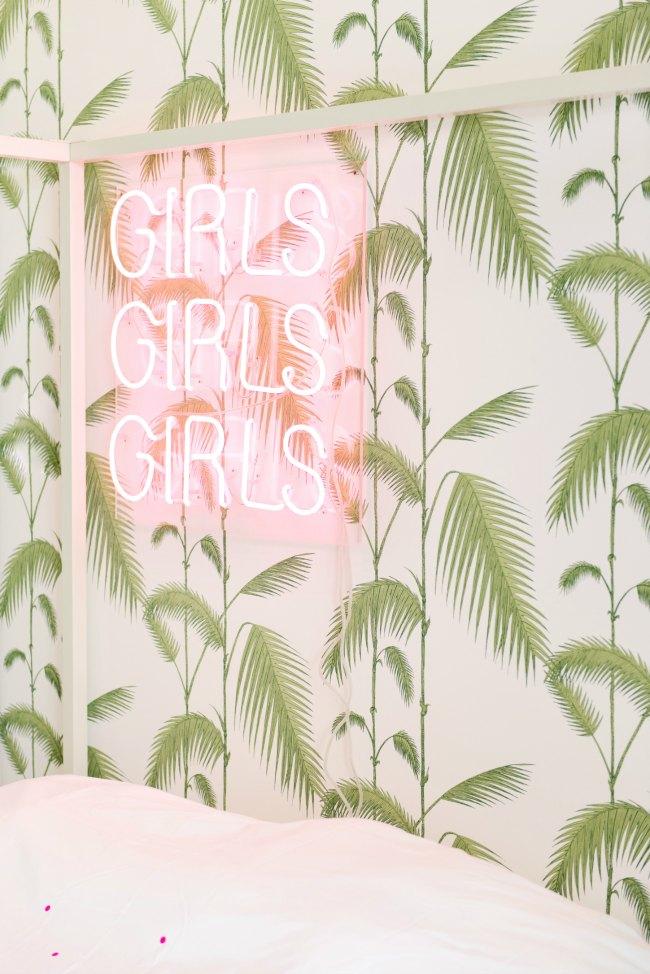 Dormitorio juvenil blanco con toques de color decoideas net for Habitaciones juveniles chica