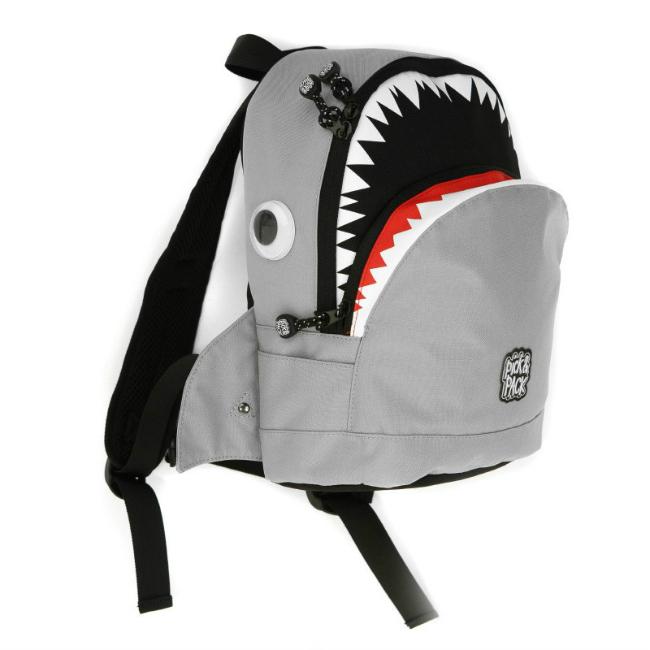 mochila-tiburon