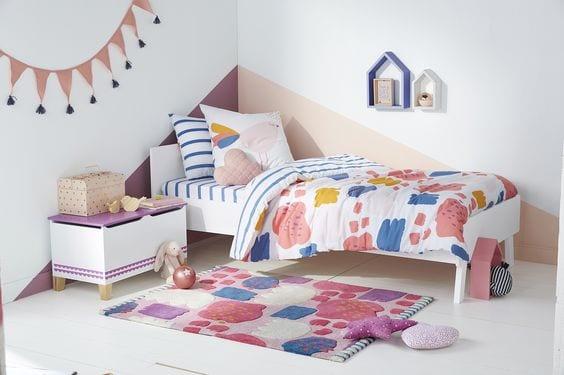 Habitaciones infantiles con paredes geométricas