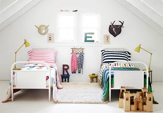 Habitación decorada para niño y niña