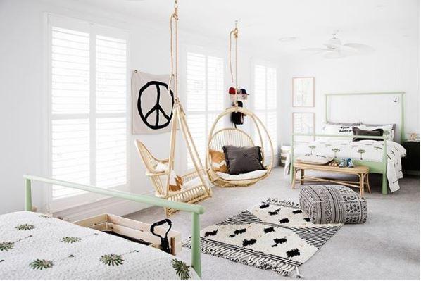 Cosas que no pueden faltar en una habitación juvenil: espacio