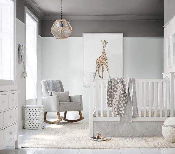 habitaciones de bebé con mesas auxiliares