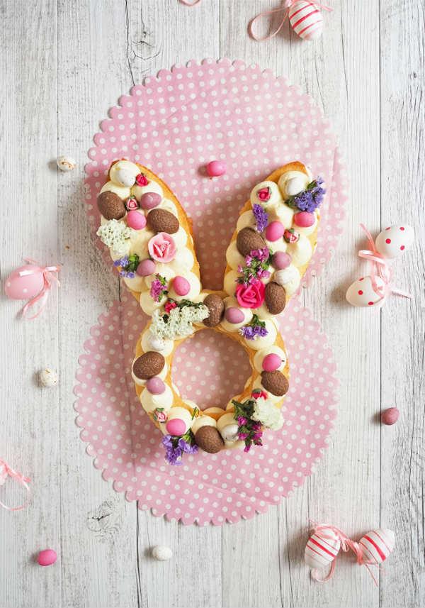 Tarta de Pascua con forma de conejo