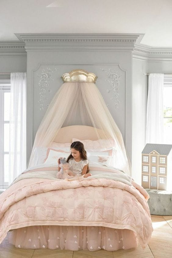 Cama con dosel para habitaciones de princesas